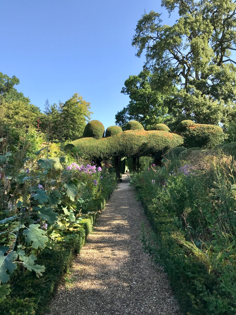 Loving the long established use of this 'beside the walled garden' space at Kelmarsh Hall, with yew topiary, box hedging and mixed border plants